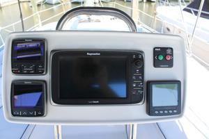 50' Hunter 50 Center Cockpit 2014 Electronics at helm