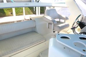 44' Carver 440 Aft Cabin Motor Yacht 1995 Captains chair and bridgedeck seating
