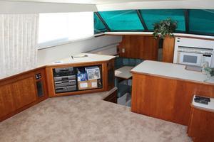 44' Carver 440 Aft Cabin Motor Yacht 1995 Port salon looking forward