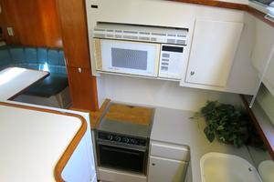 44' Carver 440 Aft Cabin Motor Yacht 1995 Galley-view from the salon