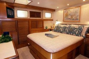 54' Offshore Yachts Pilothouse 2019 Stateroom