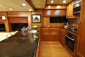 80' Offshore Yachts 76/80 Motoryacht 2021 Galley