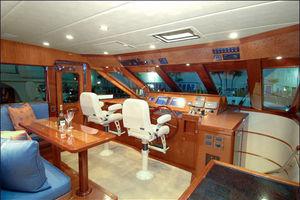 76' Offshore Motoryacht 2010 Pilothouse