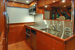 76' Offshore Yachts Motoryacht 2010 Galley