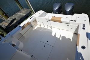 Edgewater 335EX Express Cockpit