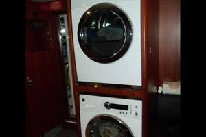 108' Johnson 108 FB Custom 2016 Crew Area Laundry