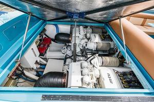 51' Magnum 51 Bestia 2013 Engine Room