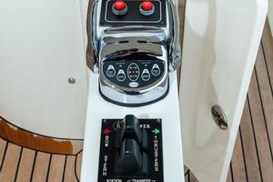 80' Ocean Alexander 80 Motoryacht 2010 Stern controls