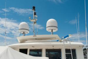 80' Ocean Alexander 80 Motoryacht 2010 Antenna and radar mast