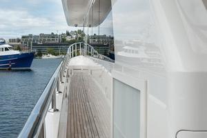 80' Ocean Alexander 80 Motoryacht 2010 Side-deck Air-intakes