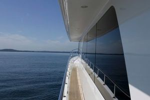 80' Ocean Alexander 80 Motoryacht 2010 Side Deck