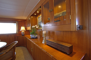 102' Palmer Johnson Cockpit Motoryacht 1980 Main Salon Forward Cabinets