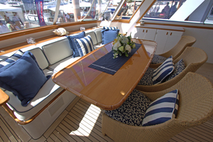 102' Palmer Johnson Cockpit Motoryacht 1980 Aft Deck Facing Forward