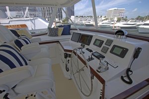 102' Palmer Johnson Cockpit Motoryacht 1980 Flybridge Helm Station