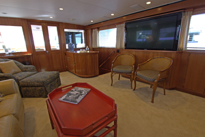 102' Palmer Johnson Cockpit Motoryacht 1980 Main Salon Looking Aft