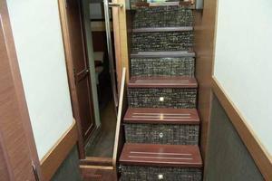 51' Sea Ray 510 Fly 2015 Companionway Stairs