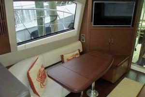 51' Sea Ray 510 Fly 2015 Salon Looking Starboard Aft
