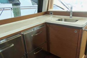 51' Sea Ray 510 Fly 2015 Galley Looking Forward