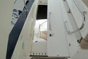 51' Sea Ray 510 Fly 2015 Sliding Helm Hatch
