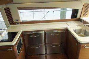51' Sea Ray 510 Fly 2015 Galley