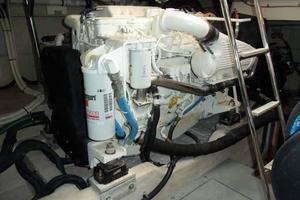 51' Sea Ray 510 Fly 2015 Port Engine