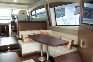 51' Sea Ray 510 Fly 2015 Salon Looking Forward to Starboard