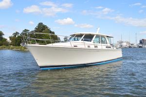 Sabre 45 Port Bow