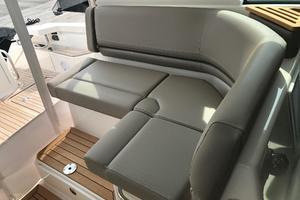 44' Tiara Q44 2017 Tiara Q 44 Helm Deck Seating