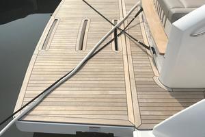 44' Tiara Q44 2017 Tiara Q 44 Hydraulic Swim Platform
