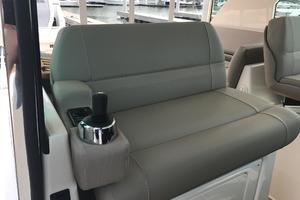 44' Tiara Q44 2017 Tiara Q 44 Helm Seat