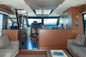 70' Ocean Alexander Evolution 2017 Salon view