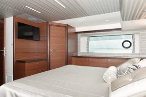 70' Ocean Alexander Evolution 2017 Master stateroom and TV
