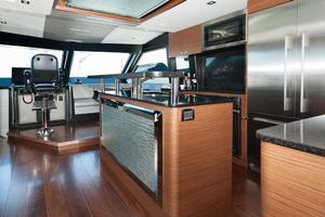 70' Ocean Alexander Evolution 2017 Galley center island