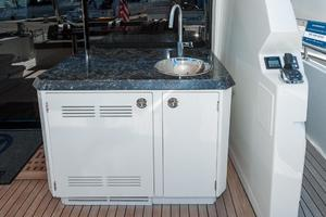 70' Ocean Alexander Evolution 2017 Aft deck bar