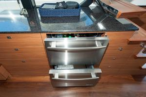 70' Ocean Alexander Evolution 2017 Refrigerator and freezer drawers