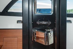 70' Ocean Alexander Evolution 2017 Pilothouse door - port