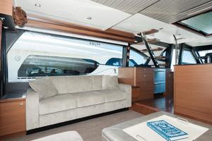 70' Ocean Alexander Evolution 2017 Salon port view