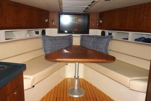 36' Chris-craft Corsair 36 2013 Convertible Dinette