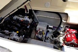 36' Chris-craft Corsair 36 2013 Engine Compartment