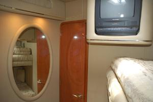 50' Sea Ray Sundancer 1998 Guest stateroom
