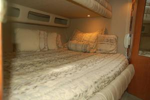 50' Sea Ray Sundancer 1998 Lower Berth in Guest Stateroom