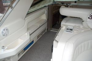 50' Sea Ray Sundancer 1998 Cabin Entry