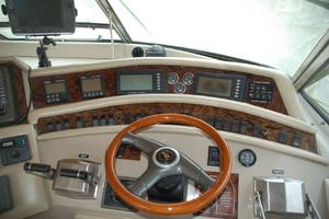 50' Sea Ray Sundancer 1998 Helm
