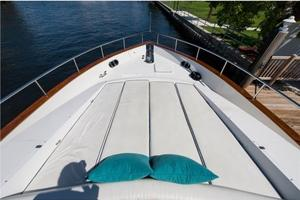 80' Nova Marine Supernova 80 2000 Forward sun pads