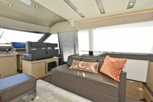 68' Prestige 680 Fly 2018 Salon