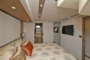 Prestige 680 Fly-2020-ON ORDER Enroute to Staten Island-New York-United StatesVIP Stateroom  1083826 thumb