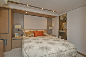 Prestige 680 Fly-2020-ON ORDER Enroute to Staten Island-New York-United StatesVIP Stateroom  1083824 thumb