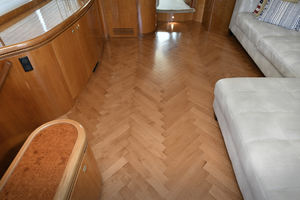 70' Horizon 70 Motor Yacht 1999 New Salon Flooring