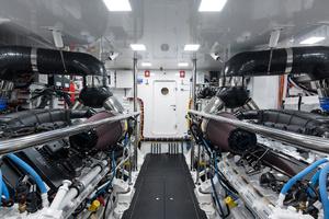 Viking 93 Motor Yacht-2020-NEW BUILD NEW BUILD-New York-United StatesEngine Room  1203976 thumb