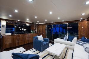 Viking 93 Motor Yacht-2020-NEW BUILD NEW BUILD-New York-United StatesSalon  1203964 thumb